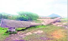 onearmed stone addressed in nehru nagar people